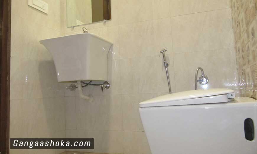 hotel-ganga-ashoka-rishikesh-room